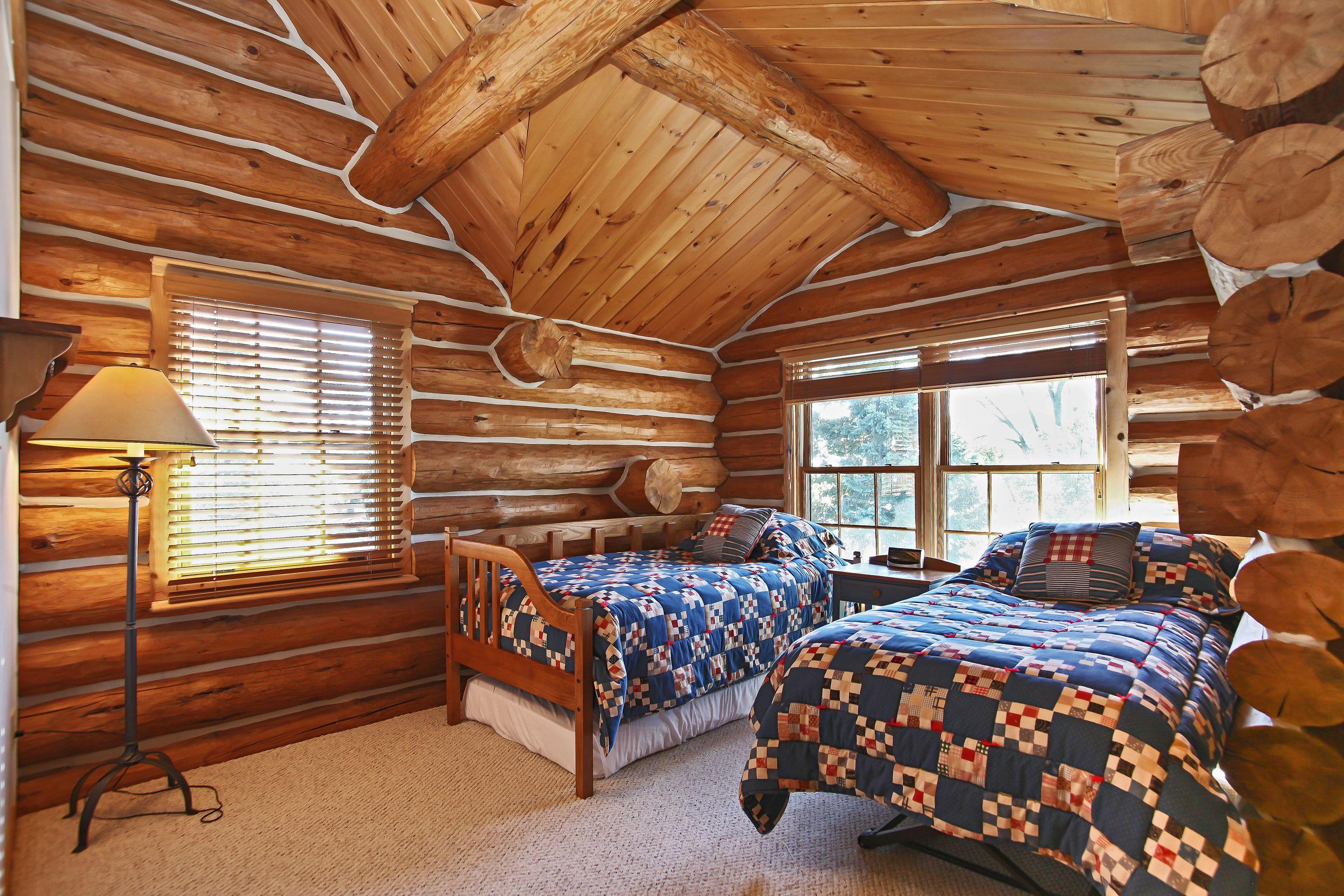 Bedroom 2 Upstairs.jpg