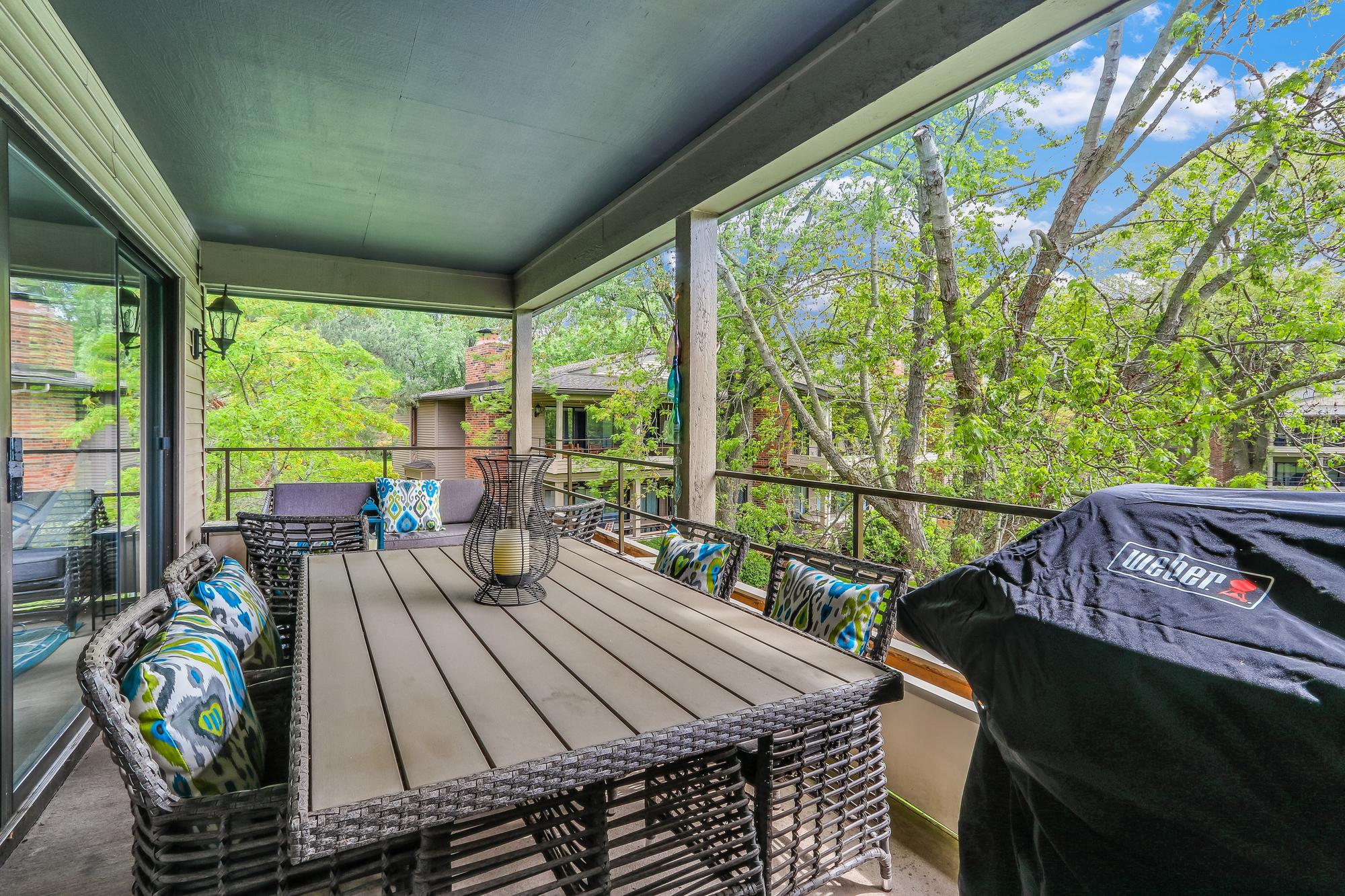 Outdoor Balcony.jpg